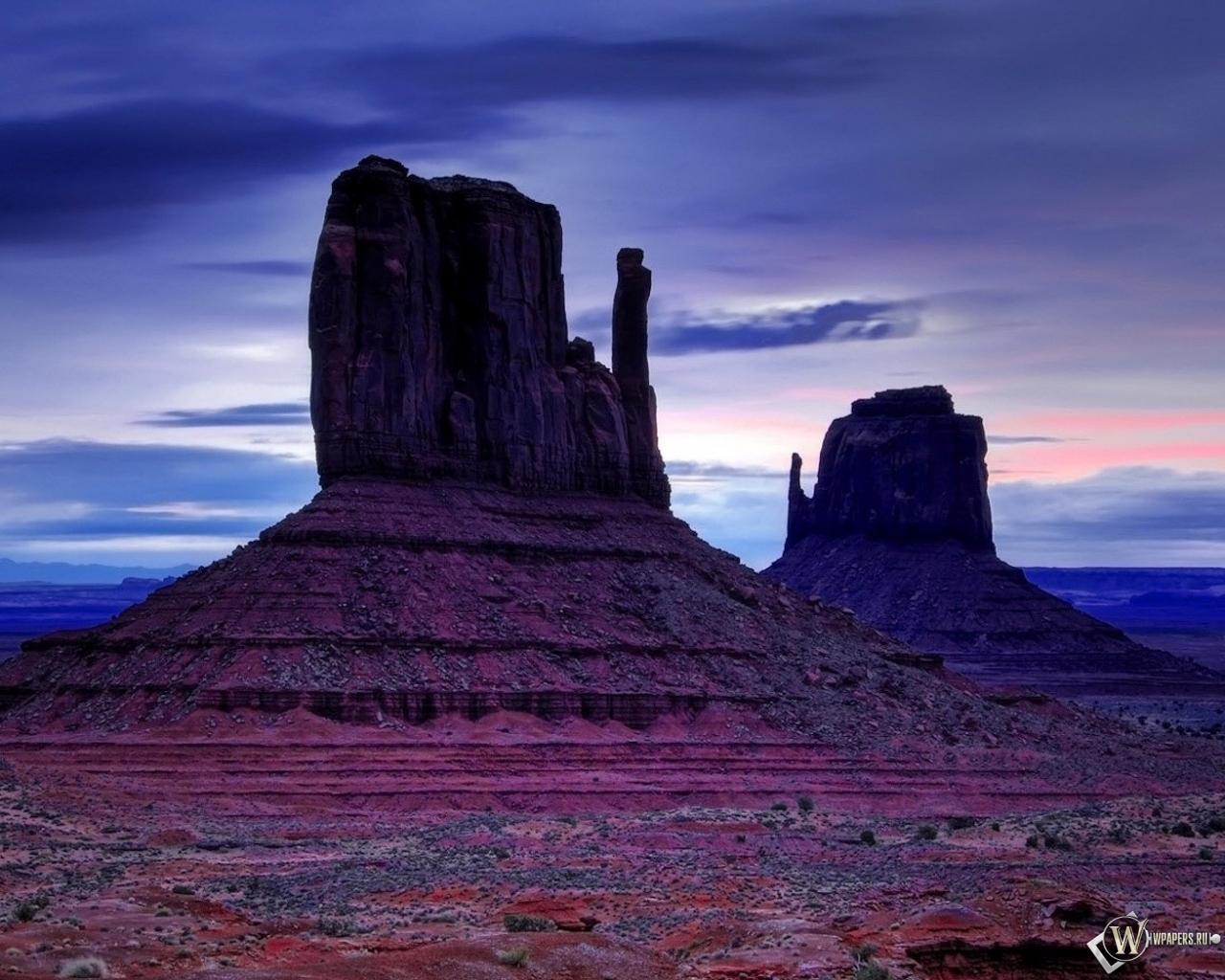 Обои скалы в пустыне на рабочий стол с