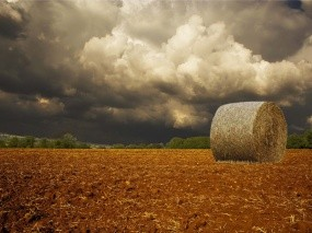 Обои Сеновал: Облака, Тучи, Сено, Стог, Осень