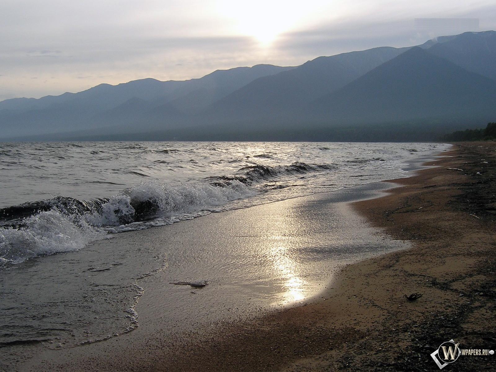 Волны на Байкале 1600x1200