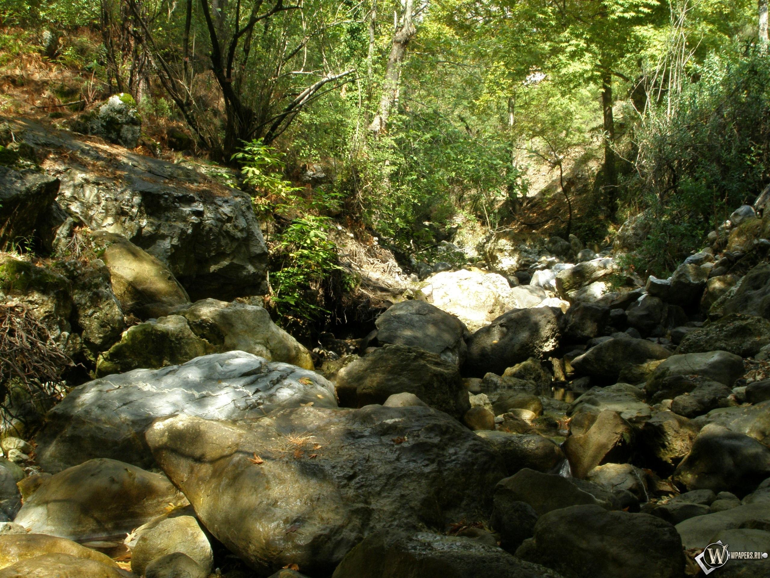 Обои горная река в турции на рабочий