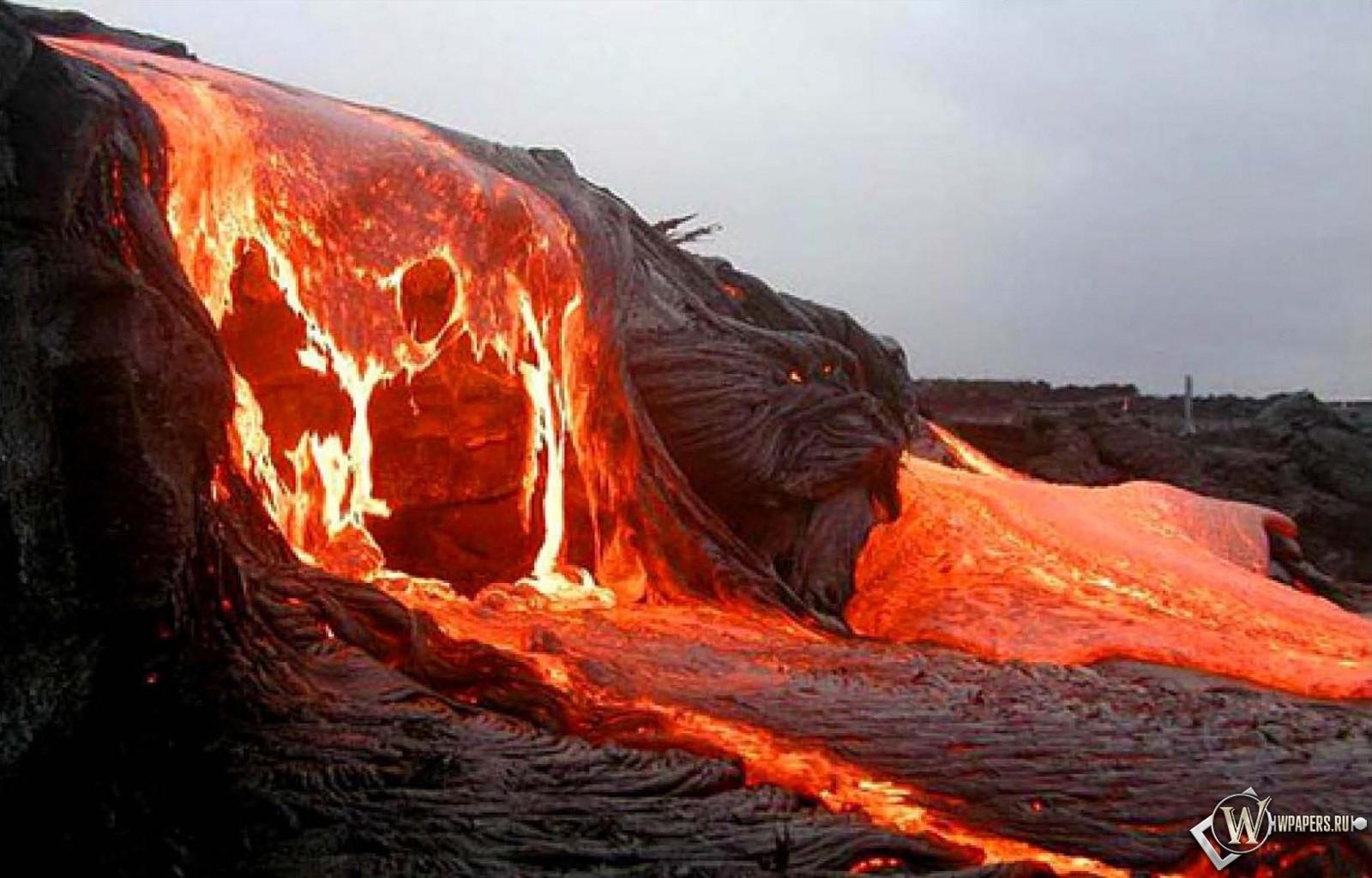 Поток лавы 1600x1024