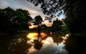 Обои Вечерняя река: Река, Отражение, Деревья, Закат, Вечер, Прочие пейзажи