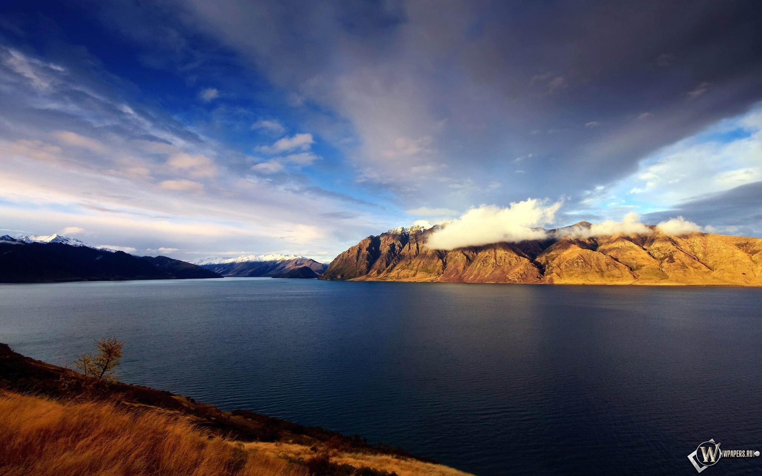 Вулкан в новой зеландии 2560x1600