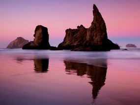 Обои Закат на море: Отражение, Закат, Скалы, Берег, Вода и небо