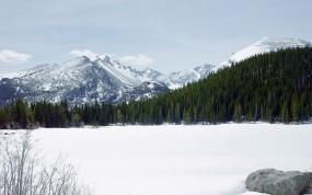 Обои Снежные вершины: Горы, Снег, Лес, Прочие пейзажи