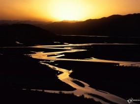 Обои Горный ручей: Горы, Ручей, Водопады