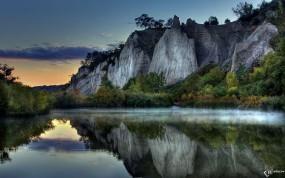 Обои Туман над горным озером: Горы, Туман, Озеро, Прочие пейзажи