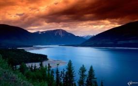 Обои Грозное небо над рекой: , Прочие пейзажи