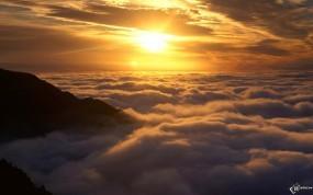 Обои Солнце над облаками: , Прочие пейзажи