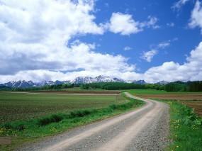 Обои Дорога: Облака, Горы, Дорога, Поле, Прочие пейзажи