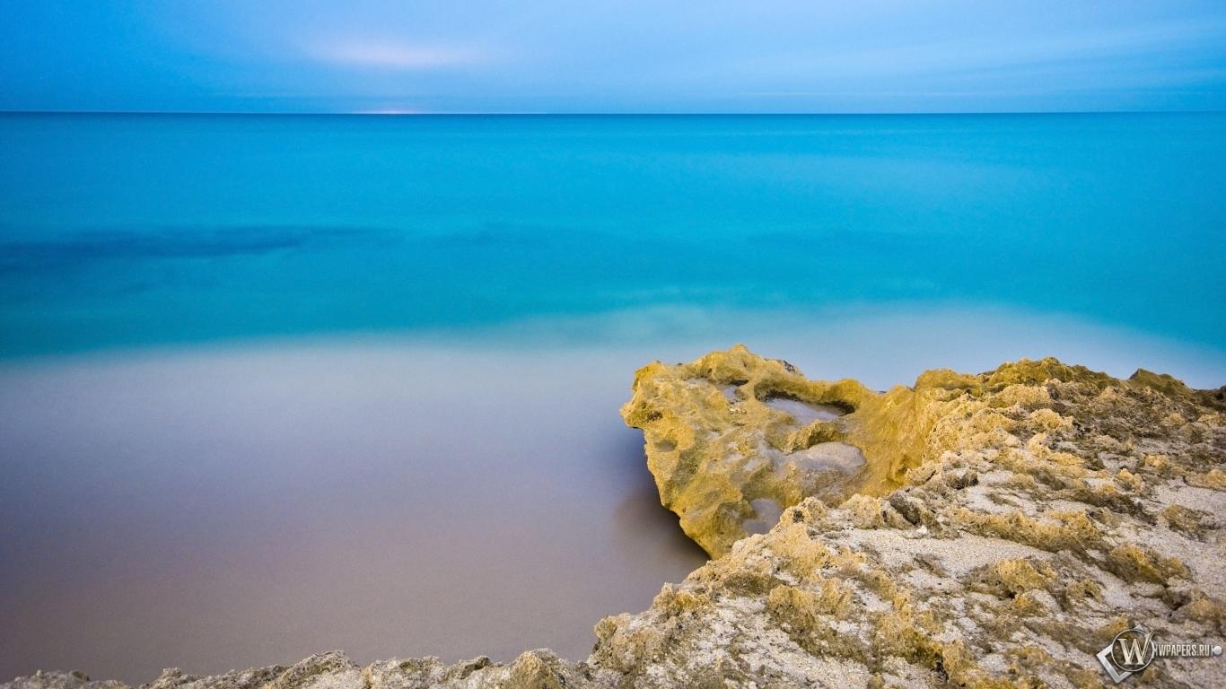 Обои море пляж море небо утро 1366x768