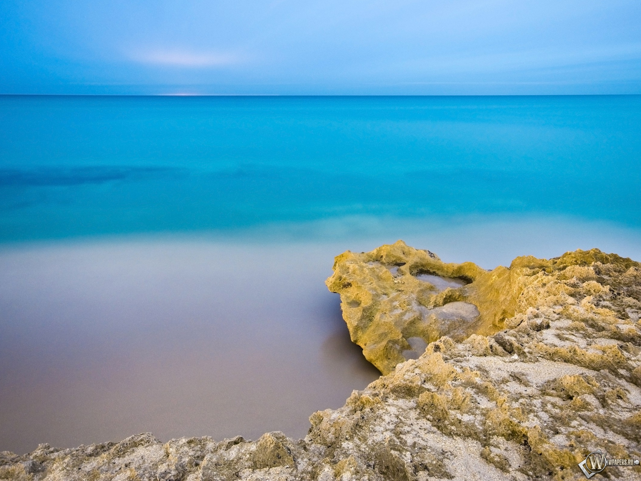 Обои море пляж море небо утро 2560x1920