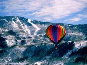 Обои Шар над горами: Горы, Небо, Шар, Прочие пейзажи