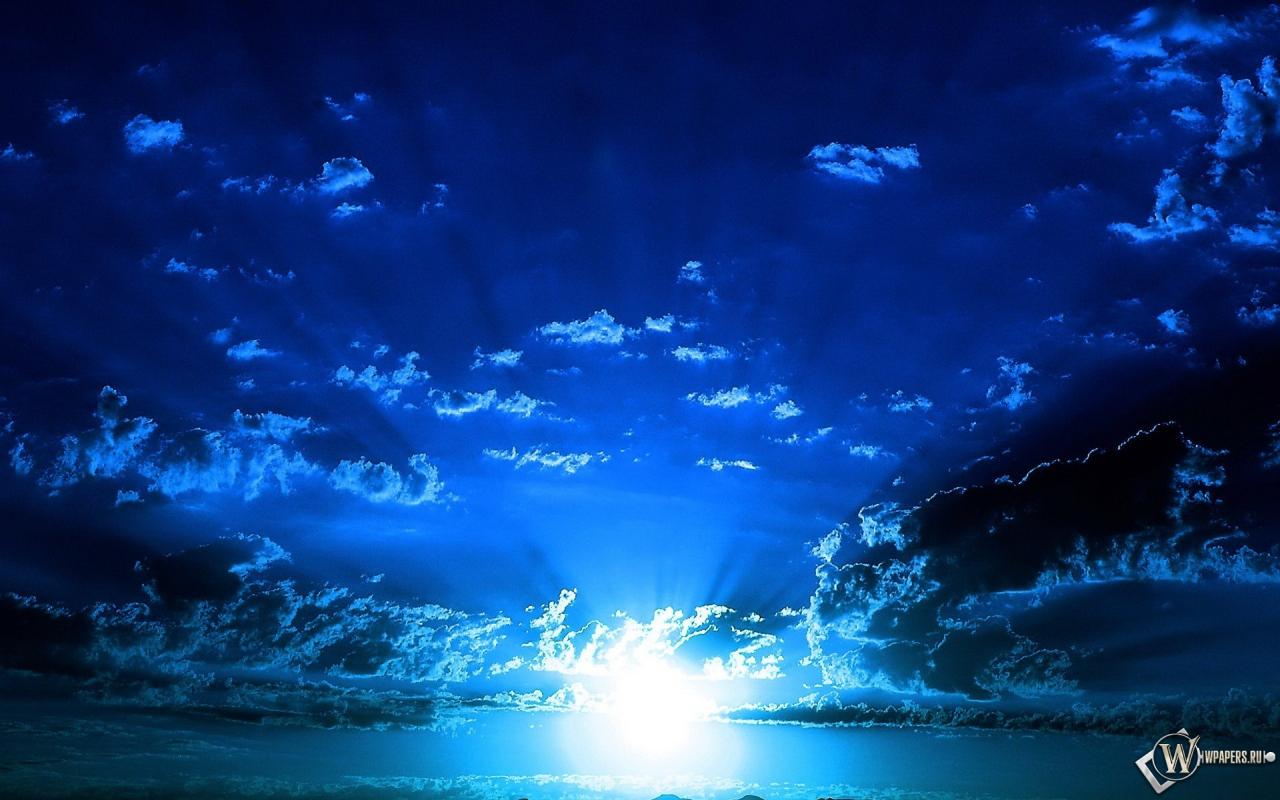 Обои синее небо облака солнце небо