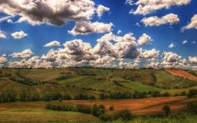 Обои отличный вид на поле: Облака, Поля, Прочие пейзажи