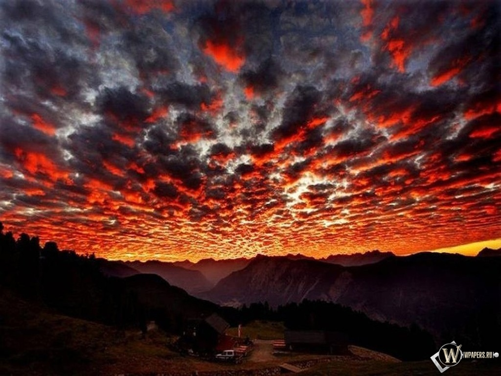 Красные облака 1024x768