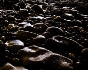 Обои Галька: Камни, Темный фон, Галька, Прочие пейзажи
