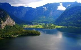 Обои Городок у подножъя гор: Горы, Залив, Городок, Горы