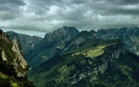 Обои Домик на обрыве: Горы, Зелень, Природа, Красиво, Горы