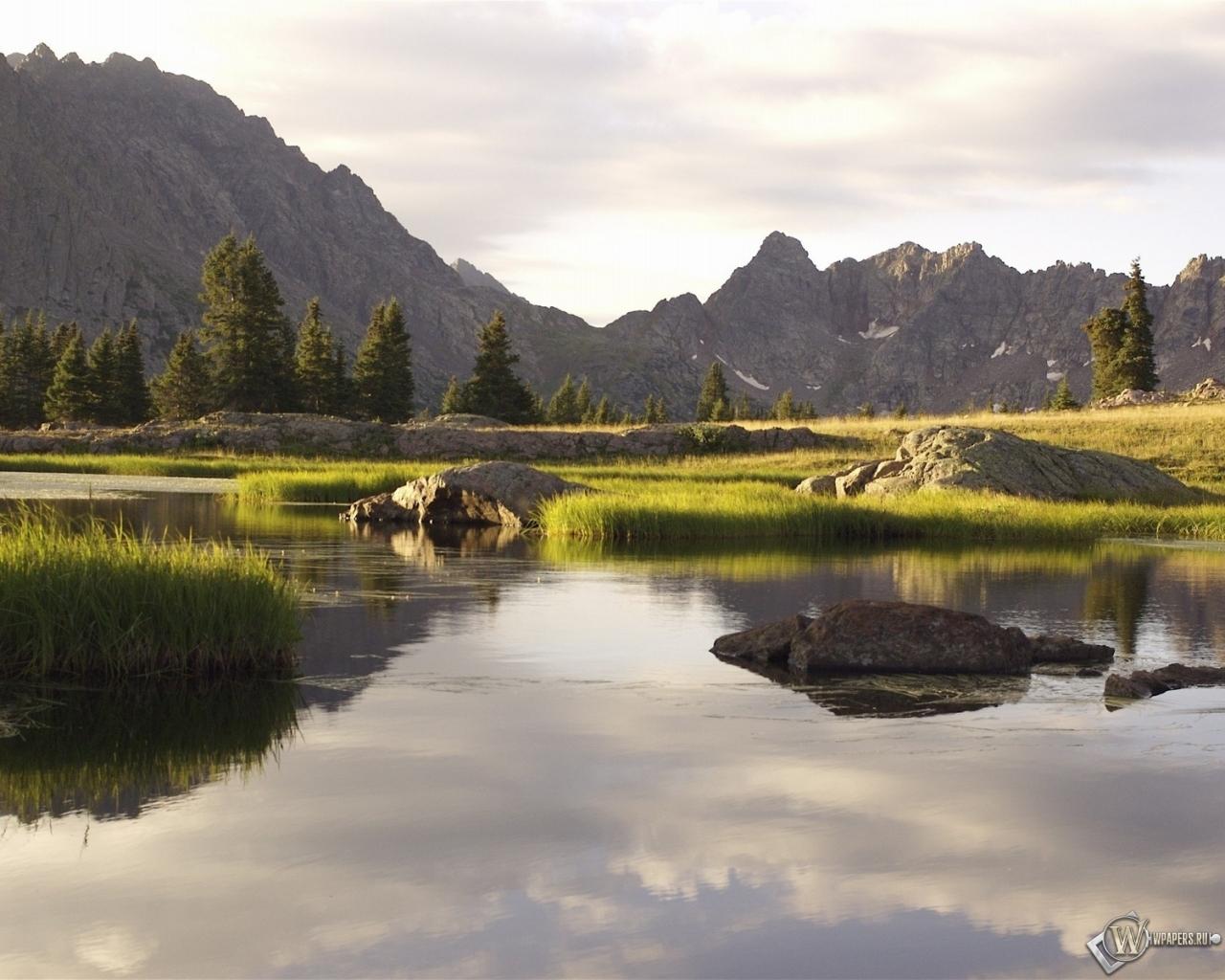 Обои горный пейзаж река горы вода