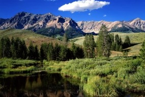 Обои Горный пейзаж: Река, Горы, Лес, Горы