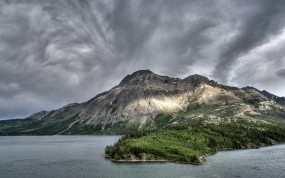 Обои Горный хребет: Облака, Горы, Вода, Горы
