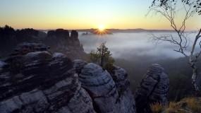 Обои Saxon Switzerland National Park Saxony Germany: Горы, Закат, Дерево, Горы