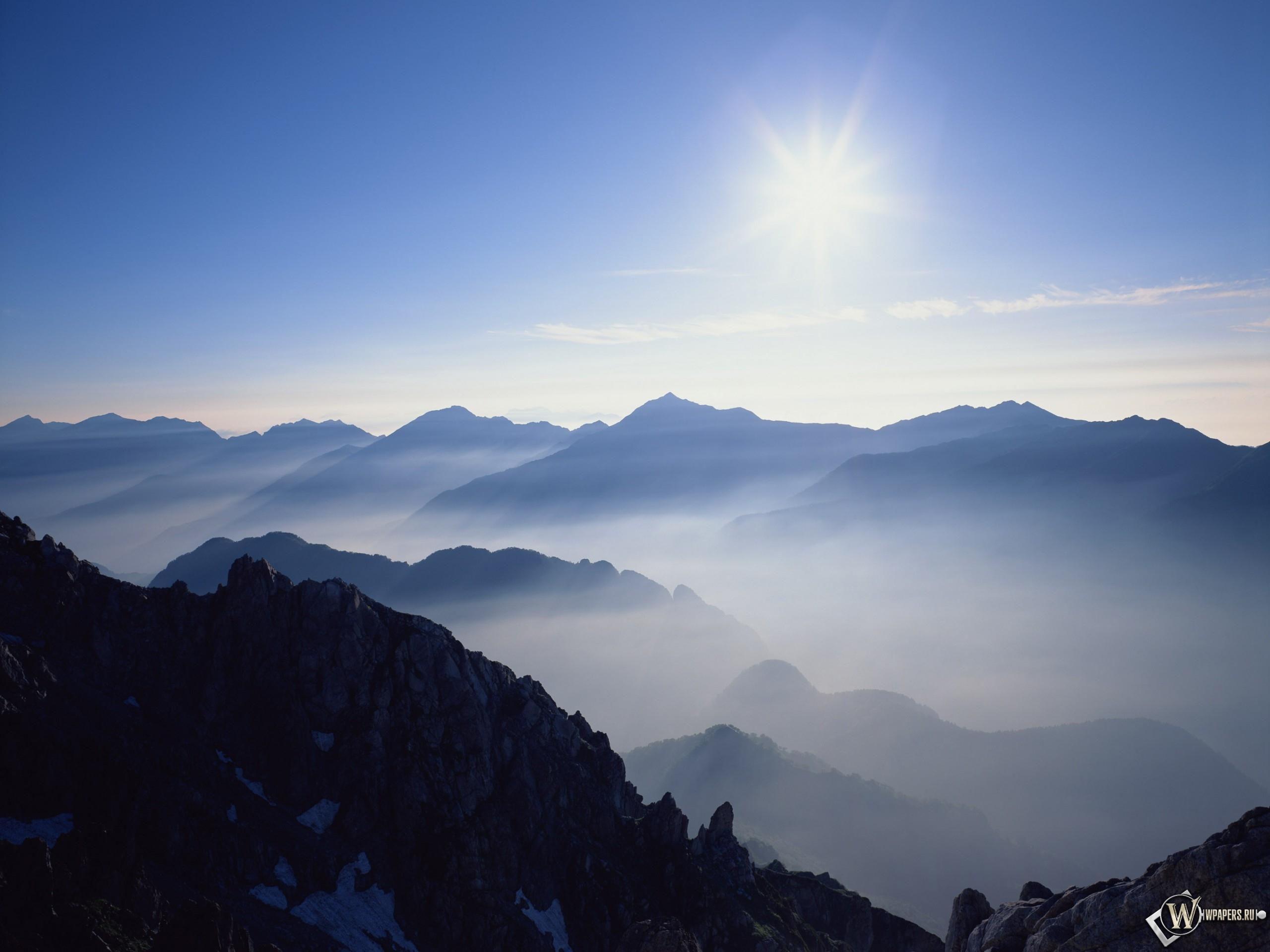 Горы и солнце 2560x1920