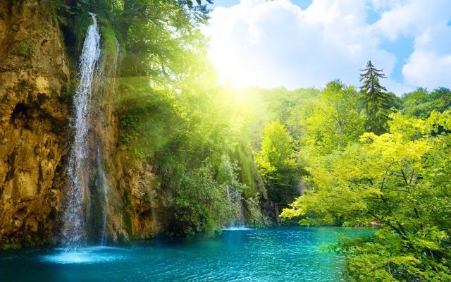 Солнечный водопад
