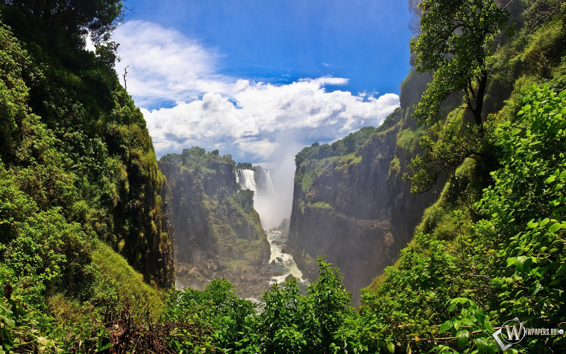 Обои горный водопад на рабочий стол с