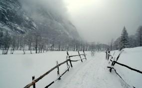 Обои Заснеженная дорога: Горы, Снег, Дорога, Зима