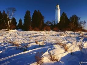 Обои Маяк на фоне снега: , Зима