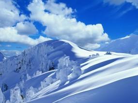Обои Зимние горы: Облака, Зима, Горы, Снег, Деревья, Сугроб, Горы
