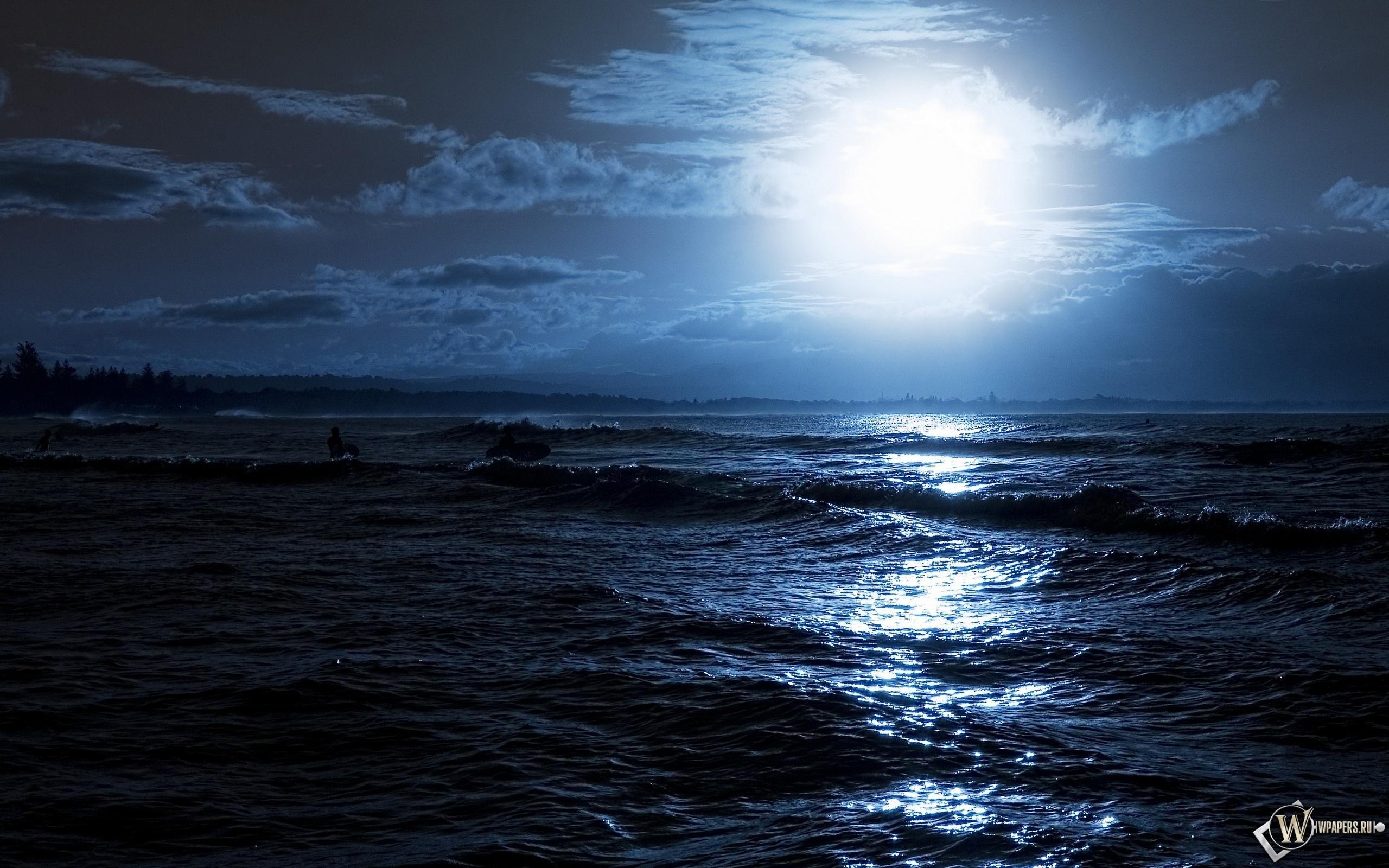 Лунный свет на море 2560x1600
