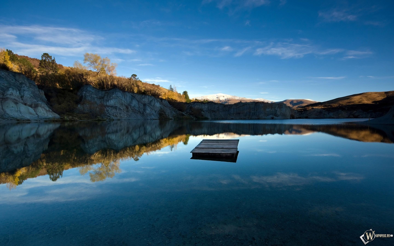Blue lake jetty 2880x1800