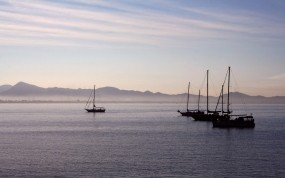 Обои Морской пейзаж: Море, Лодки, Небо, Утро, Пейзаж, Вода и небо