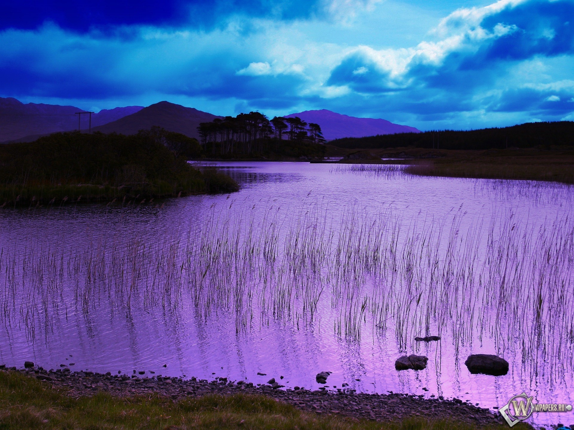 Фиолетовое озеро 1920x1440