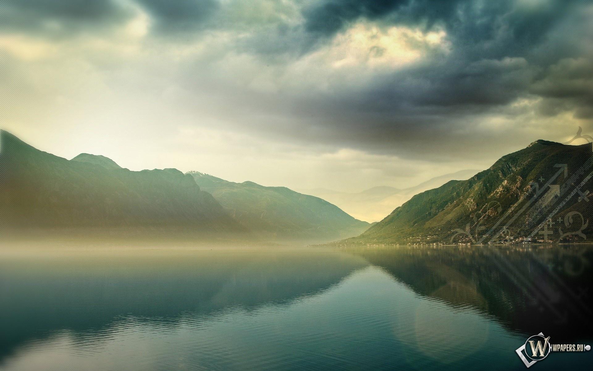 Туман над горным озером 1920x1200