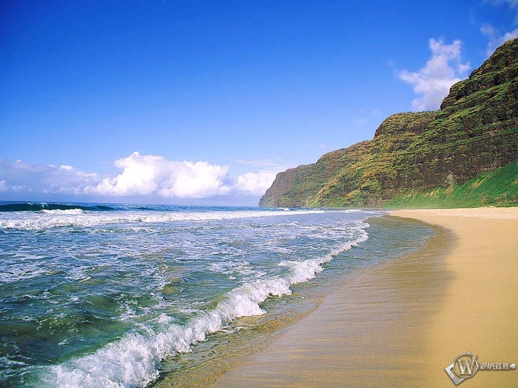 Прибой на песчанном пляже 1024x768