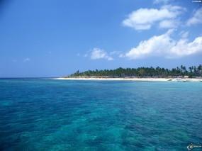 Обои Остров в море: Море, Остров, Вода и небо