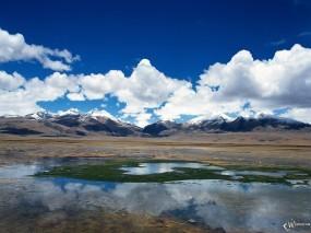 Обои Облака над холмами: Облака, Холмы, Небо, Вода и небо