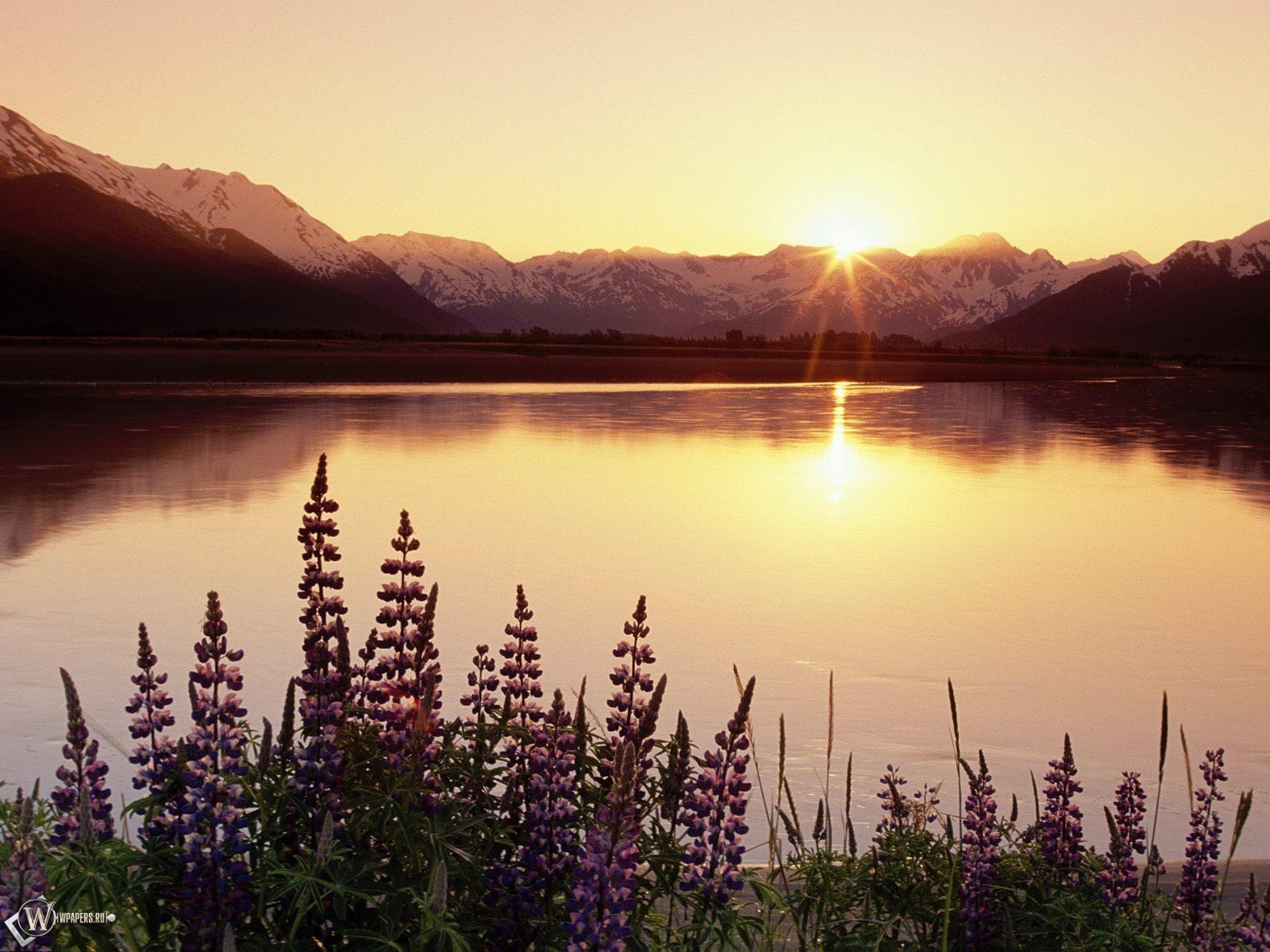 Восход над озером 1600x1200