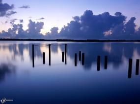 Обои Заброшенный причал: , Вода и небо