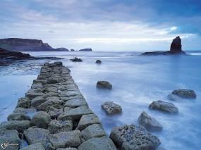 Обои Каменная пристань: , Вода и небо