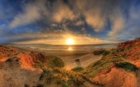 Обои Закат на берегу: Песчаный берег, Океан, Растения, Экзотика, Вода и небо