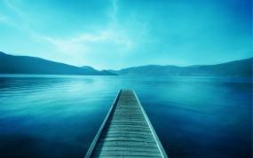 Обои Мостик в озеро: Озеро, Relax, Мостик, Вода и небо