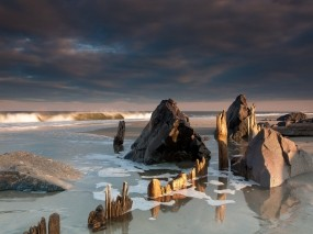 Обои Морской пляж: Пляж, Море, Камни, Вода и небо