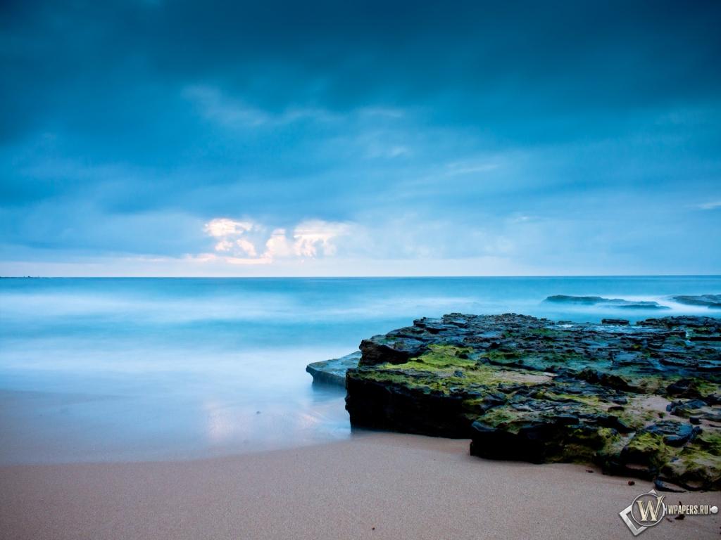 Восход солнца на берегу океана 1024x768