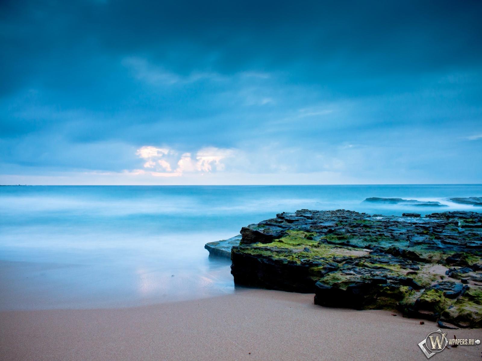 Восход солнца на берегу океана 1600x1200