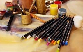 Обои Набор художника: Краски, Карандаши, Разное